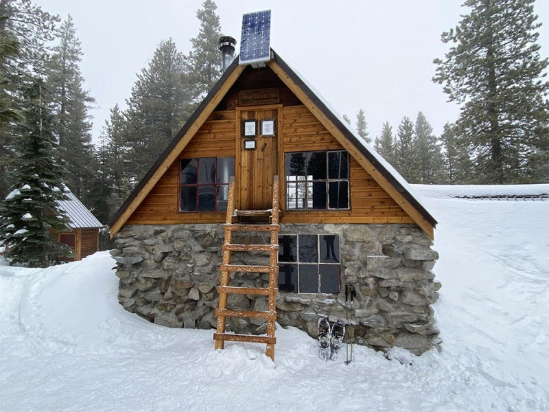 Peter Grubb Hut.  Elevation: 7987 ft.